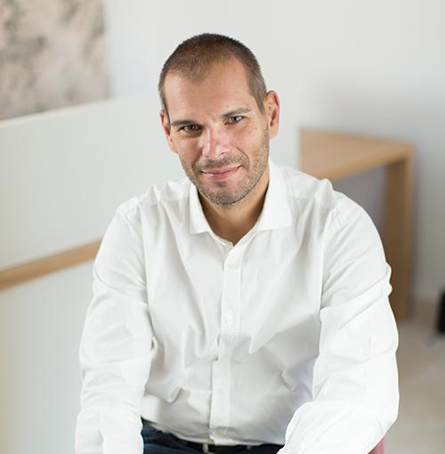 Dan Pop, psiholog la Centrul Medical Garibaldi